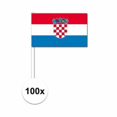 100x kroatische zwaaivlaggetjes 12 x 24 cm