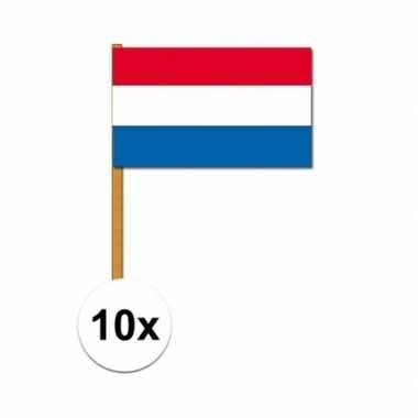 10x nederlandse luxe zwaaivlaggen 30x45 cm