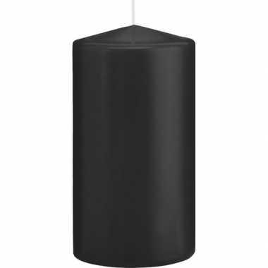 1x zwarte cilinderkaars/stompkaars 8 x 15 cm 69 branduren