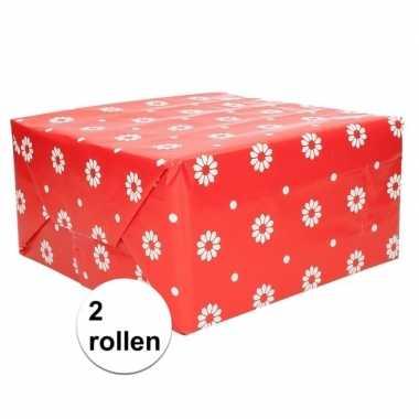2x geschenkpapier rood bloemen 70 x 200 cm