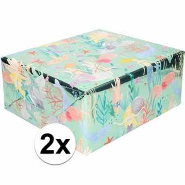 2x inpak/cadeaupapier metallic blauw/groen zeemeermin 150 x 70cm