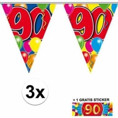 3 gekleurde vlaggenlijnen 90 jaar met sticker