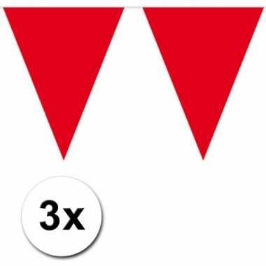 3 rode plastic vlaggenlijnen