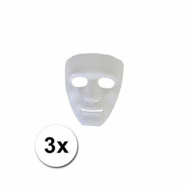 3 witte geesten maskers