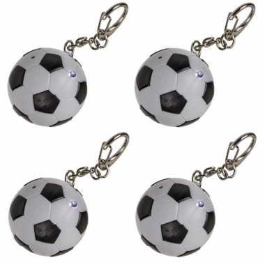 4x voetbal sleutelhangers met licht en geluid 3,5 cm