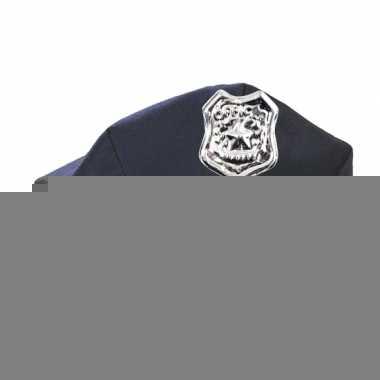 Ambtenaren pet politie