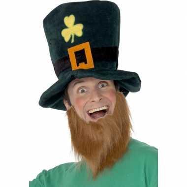Baard met groene hoed