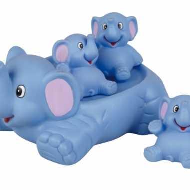 Baby badset olifanten