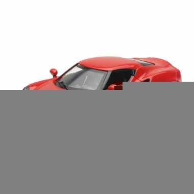 Bburago alfa romeo alfa romeo 4c rood modelauto