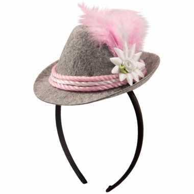 Beiers hoedje op haarband roze