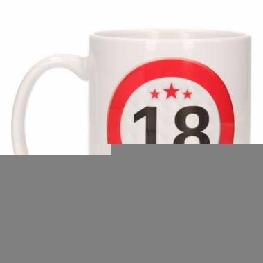 Beker / mok 18 jaar verkeersbord