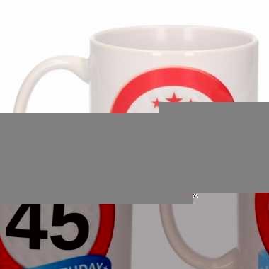 Beker / mok 45 jaar verkeersbord