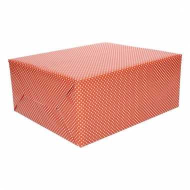 Cadeaupapier rood met witte stippen trend