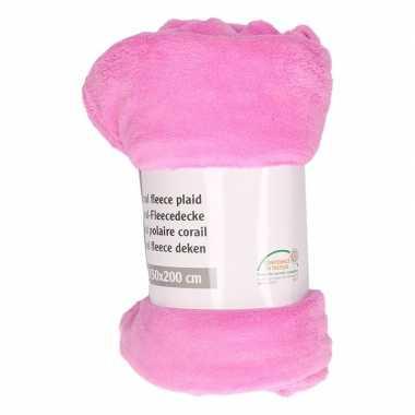 Cerise roze fleece deken 150 x 200 cm