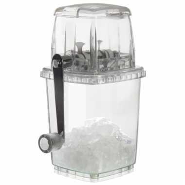 Cocktails maken ijsklontjes crusher