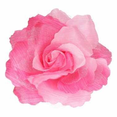 Corsage roze bloem