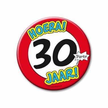 Feestartikelen xxl 30 jaar verjaardags button