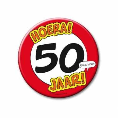 Feestartikelen xxl 50 jaar verjaardags button