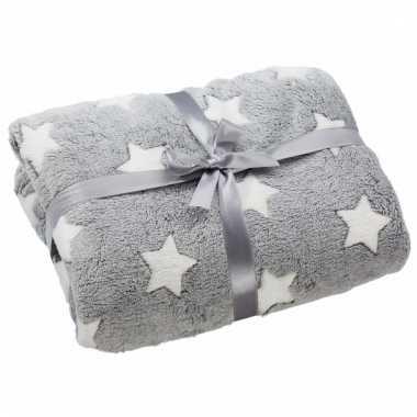 Fleece deken grijs met sterren print 130 x 160 cm trend