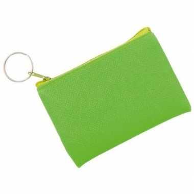 Fluor groene portemonnee met sleutelhanger 10 x 7 cm
