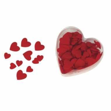 Fluweelachtige hart strooiblaadjes rood