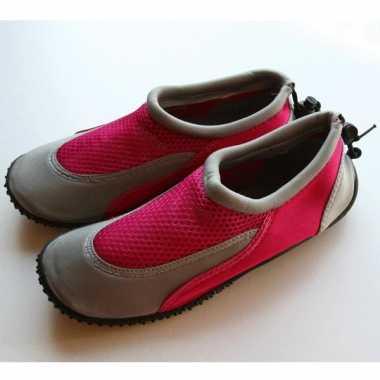 Fuchsia roze zwemschoenen voor dames