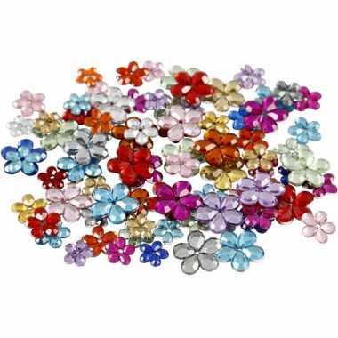 Gekleurde diamanten stenen bloem