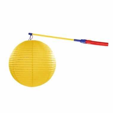 Gele lampion 35 cm met lampionstokje