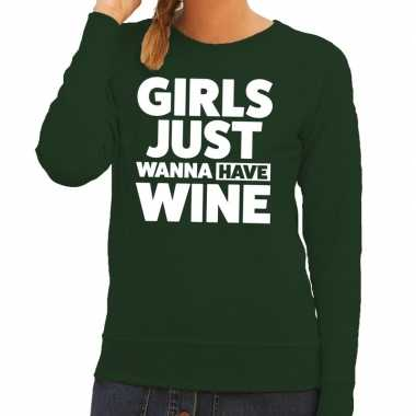 Girls just wanna have wine tekst sweater groen voor dames