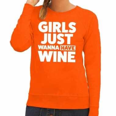 Girls just wanna have wine tekst sweater oranje voor dames