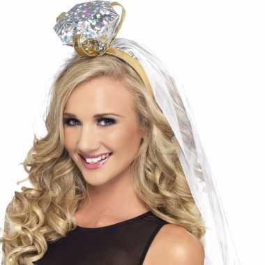 Haarband met grote ring en sluier