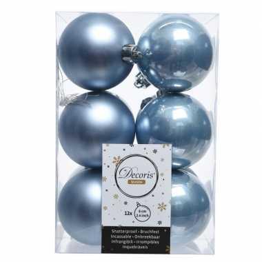 Ijsblauwe kerstversiering kerstballen kunststof 6 cm