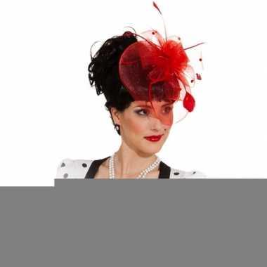 Insteek kam met rode hoed