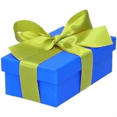 Kerst cadeautje blauw met lichtgroene strik 10 cm
