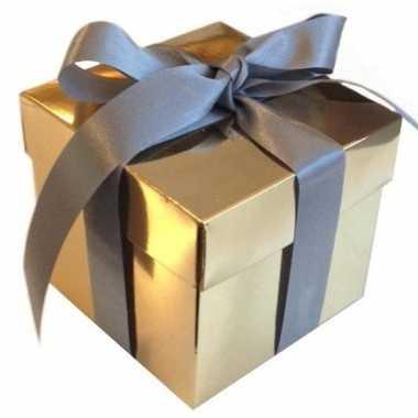 Kerst cadeautje goud met zilveren strik 10 cm