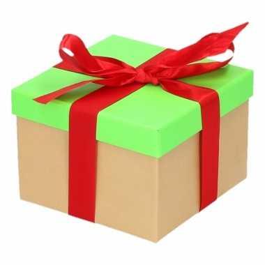 Kerst cadeautje groen met rode strik 13 cm