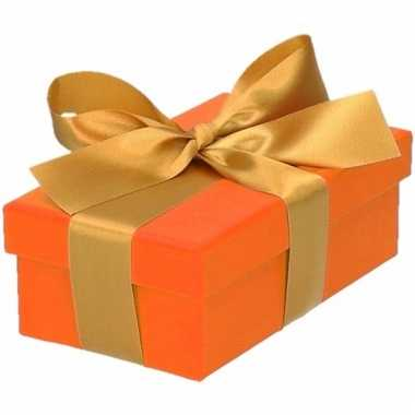 Kerst cadeautje oranje met gouden strik 10 cm