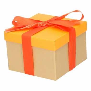 Kerst cadeautje oranje met oranje strik 15 cm