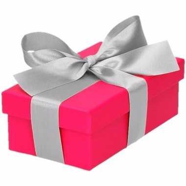 Kerst cadeautje roze met zilveren strik 10 cm
