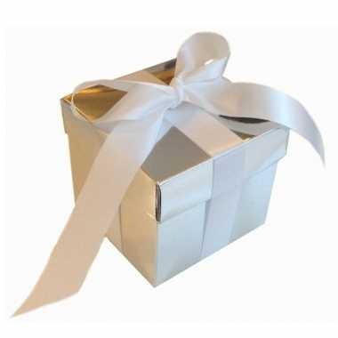 Kerst cadeautje zilver met witte strik 10 cm