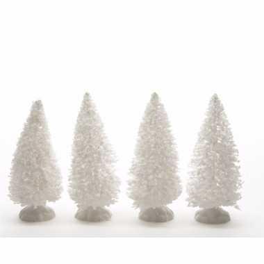 Kerstdorp maken besneeuwde decoratie dennenbomen 4 stuks 10 cm