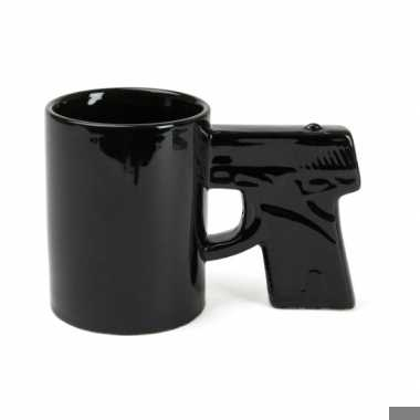 Koffiemok in de vorm van een pistool