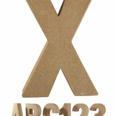 Letter x van papier mache onbeschilderd