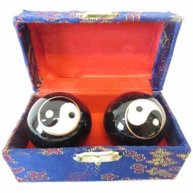 Levensenergie kogels yin yang 3.5 cm in kistje