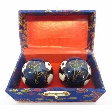 Levensenergie kogels yin yang blauw in kistje