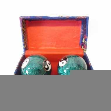 Levensenergie kogels yin yang groen in kistje