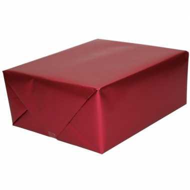 Luxe inpakpapier/cadeaupapier bordeaux zijdeglans 150 x 70 cm