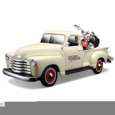 Modelauto chevrolet 3100 met motor 1:24