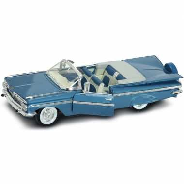 Modelauto chevrolet impala cabrio 1956 1:18