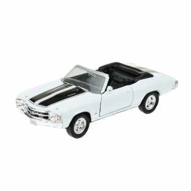 Modelauto chevrolet oldtimer 1971 chevelle wit 1:34